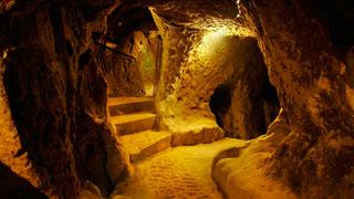 http://www.cappadociaturkey.net/wp-content/uploads/2014/01/derinkuyu_underground.jpg